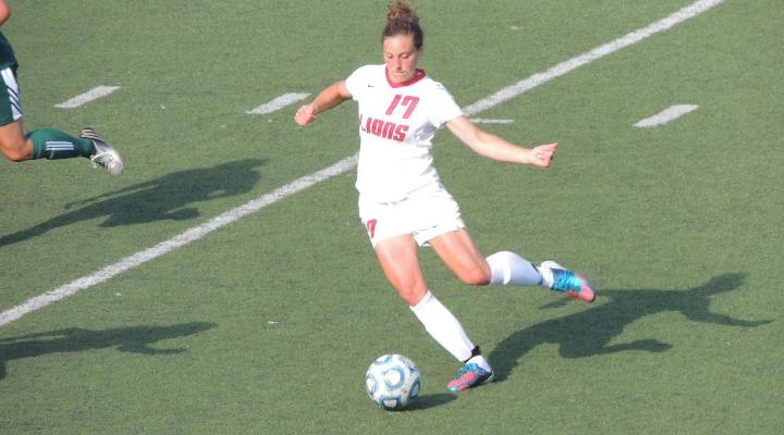 Women's Soccer Edged by Lesley in Non-Conference Play, 2-1