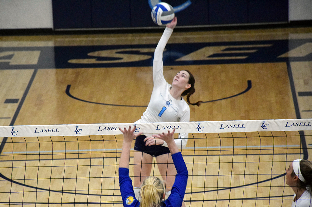 Lasell Women's Volleyball falls to national powerhouse Johnson & Wales