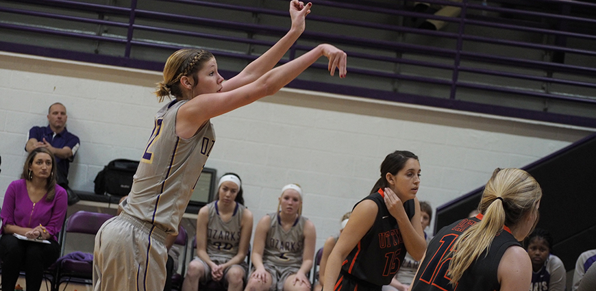 Moltz Posts Double-Double To Pace Ozarks