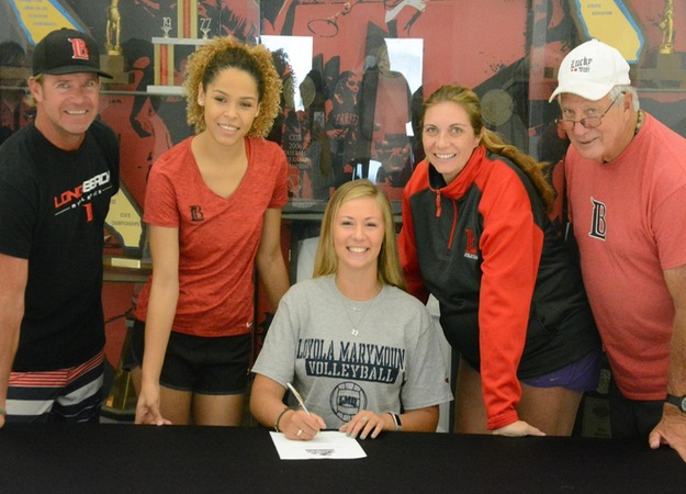 Beach volleyball's Paige Panter has signed a national letter of intent with Loyola Marymount University.