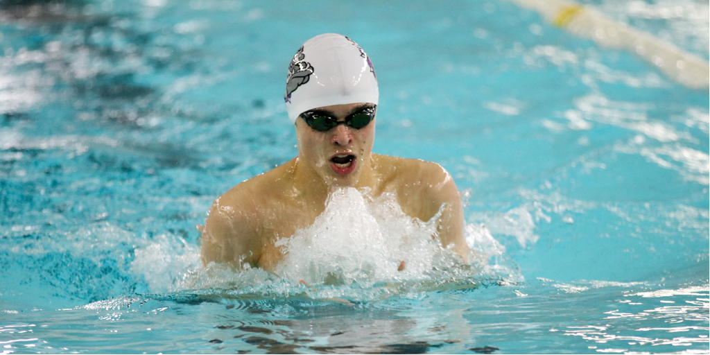Boys Swim/Dive Falls to the Royals