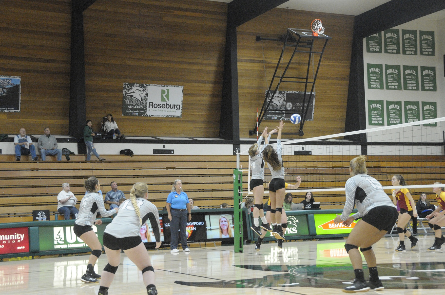 RiverHawks Sweep College of the Redwoods