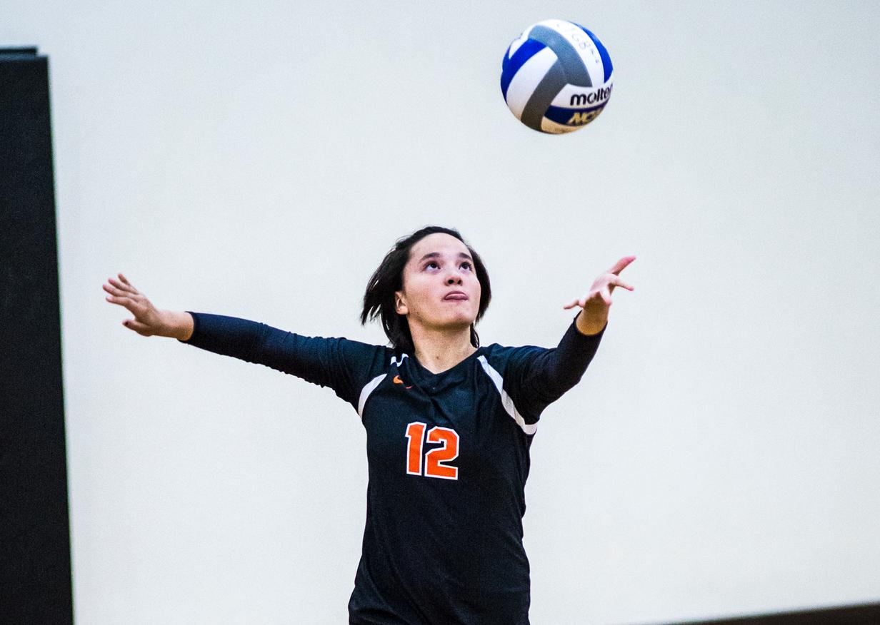 Laures Assists on 12 in SCIAC Volleyball Opener
