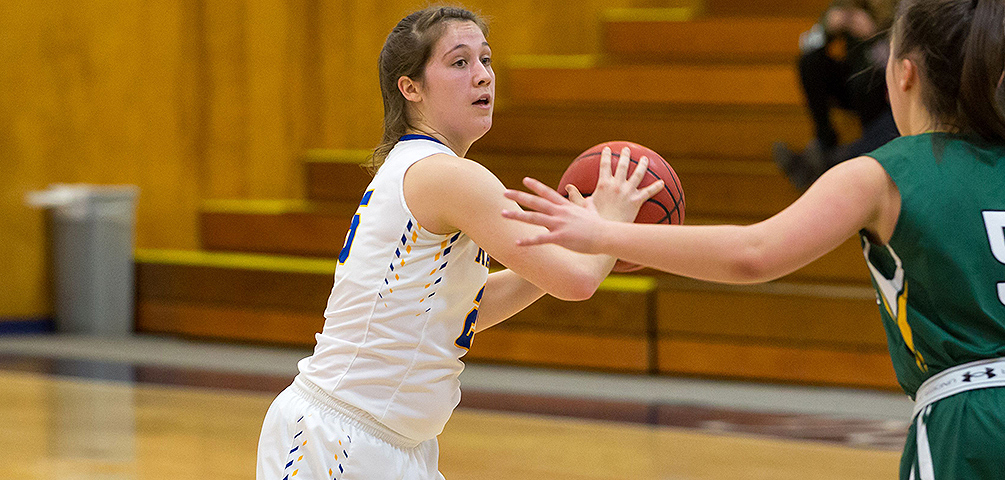 Women's Basketball Overpowers Thomas