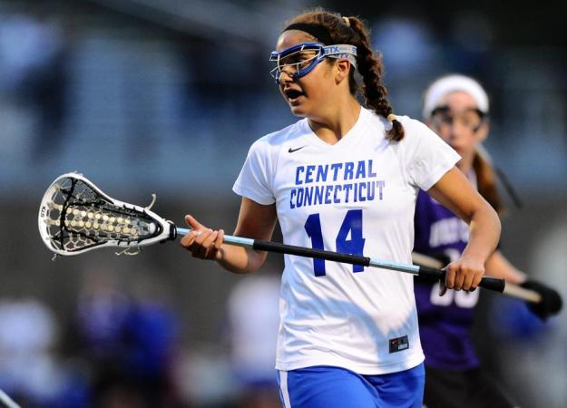 Women's Lax Falls at Villanova