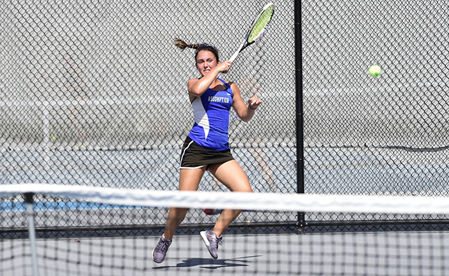 Women's Tennis Clinches 5-2 win over Holy Cross