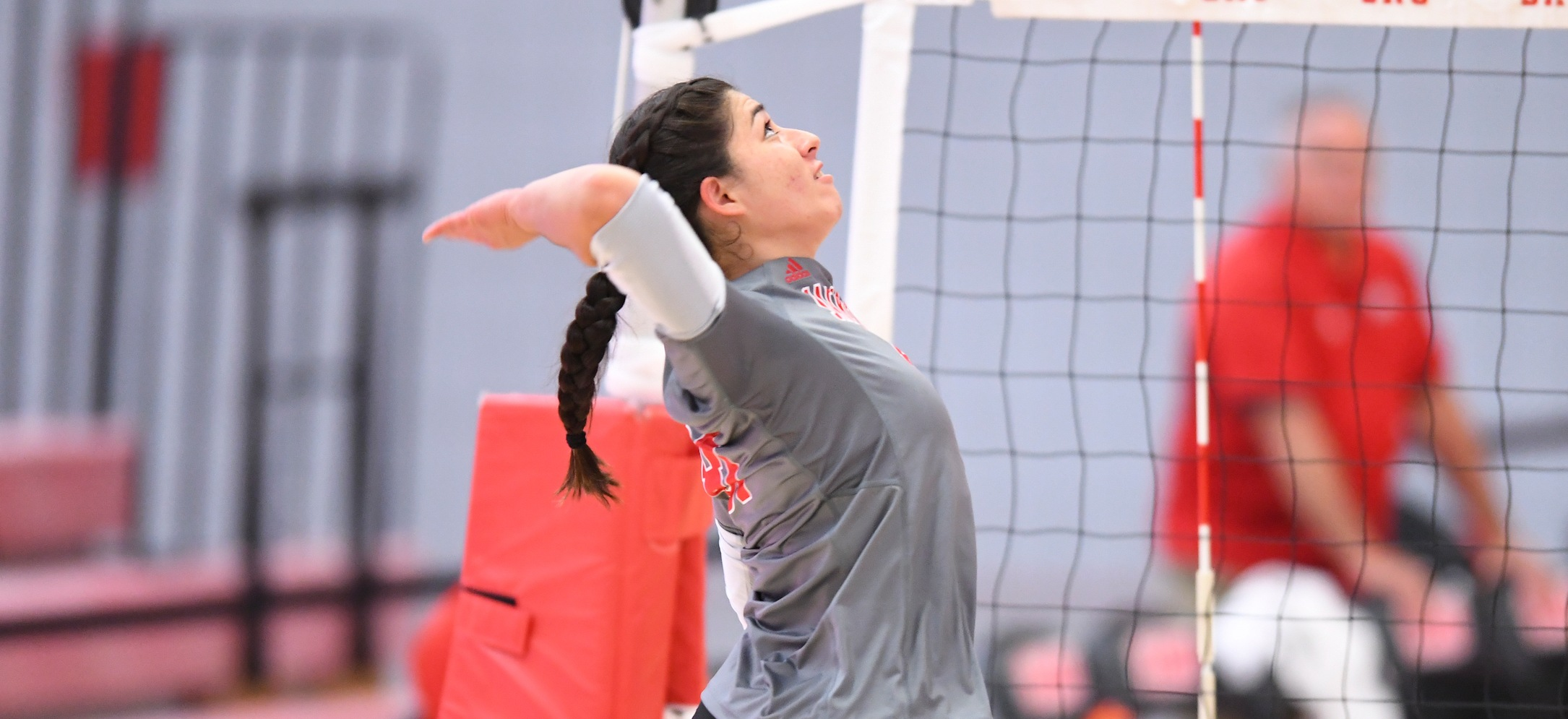Balanced Attack Leads Women's Volleyball to 3-0 Sweep of LIU