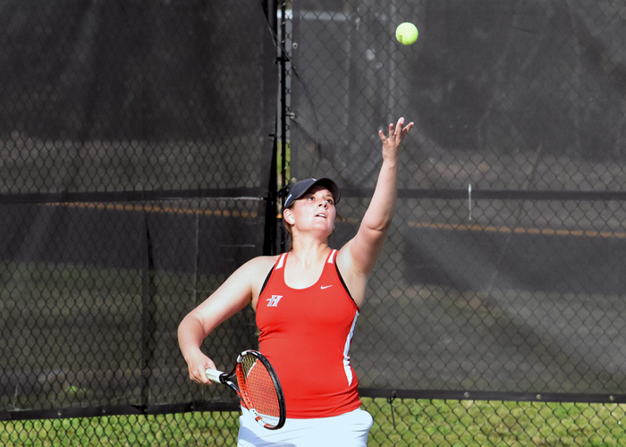 Heather Tabor won 6-3, 3-6, 7-5 at No. 4 singles to clinch Huntingdon's 5-4 win over Meredith in the opening round of the USA South Athletic Conference Tournament on Thursday.