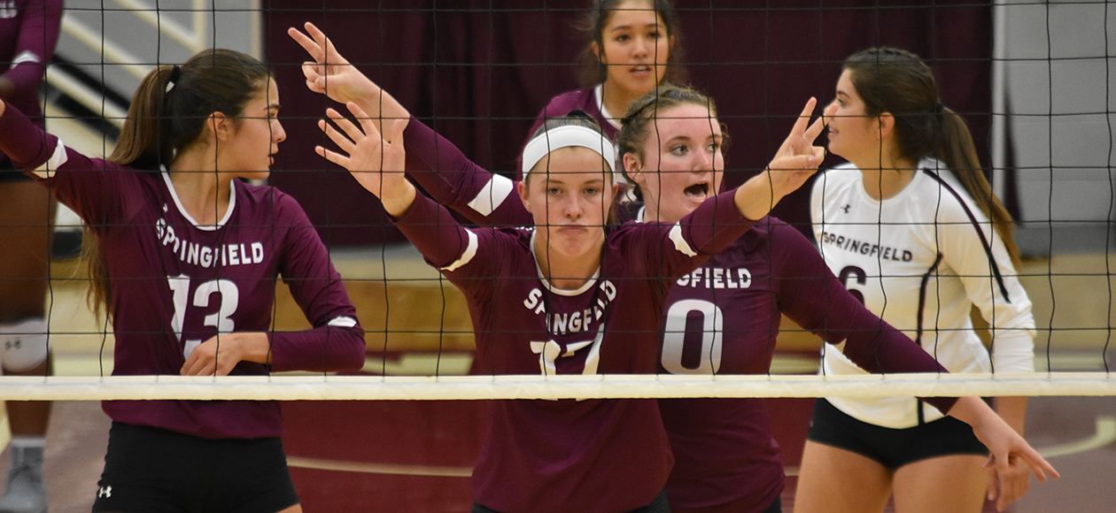 MIT Hangs On For Five-Set Win Over Women's Volleyball
