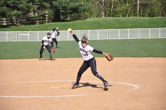 Softball splits with McDaniel