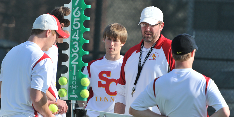 Men's tennis falls to Luther in IIAC Tournament