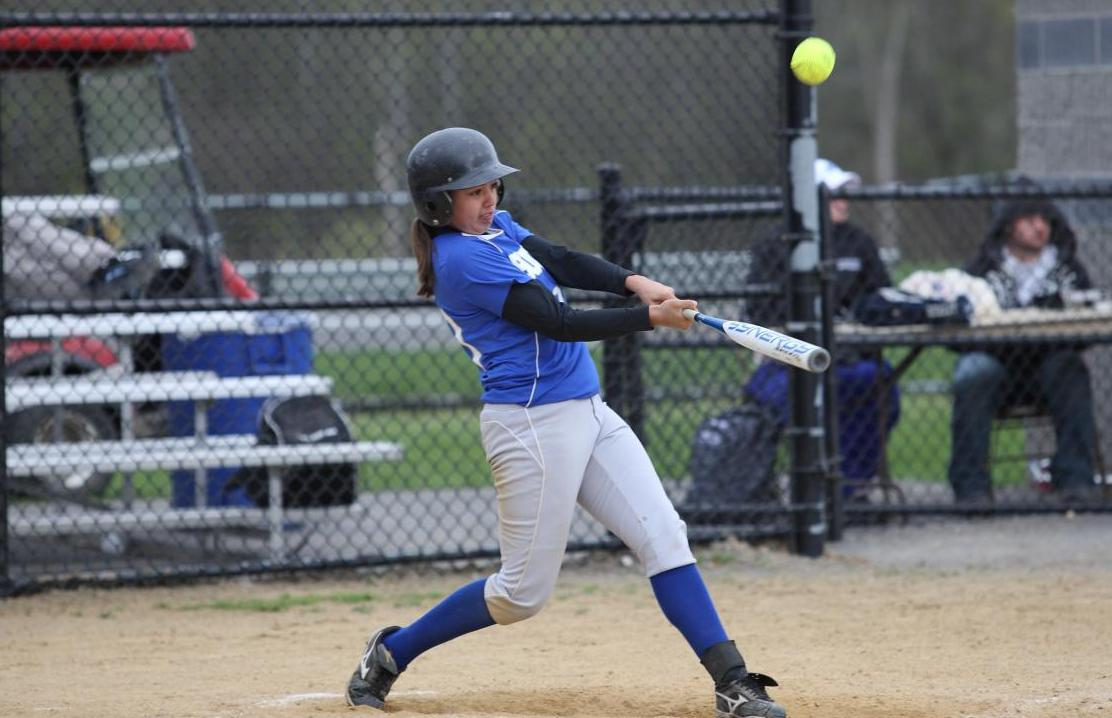 Softball Splits a Pair of Contests at Snowbird Tournament to Open 2011 Season
