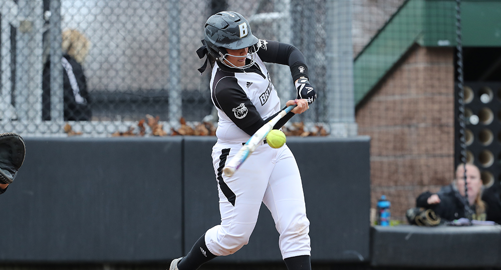 Minutewomen take down Bulldogs, 6-4, in extra innings