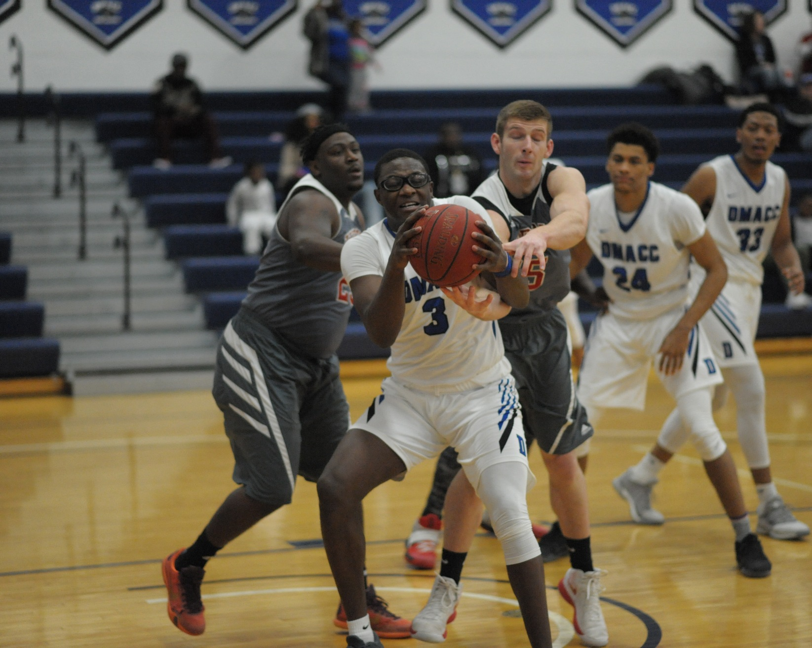 Wali Parks fights for rebound during DMACC's win vs. Hibbing