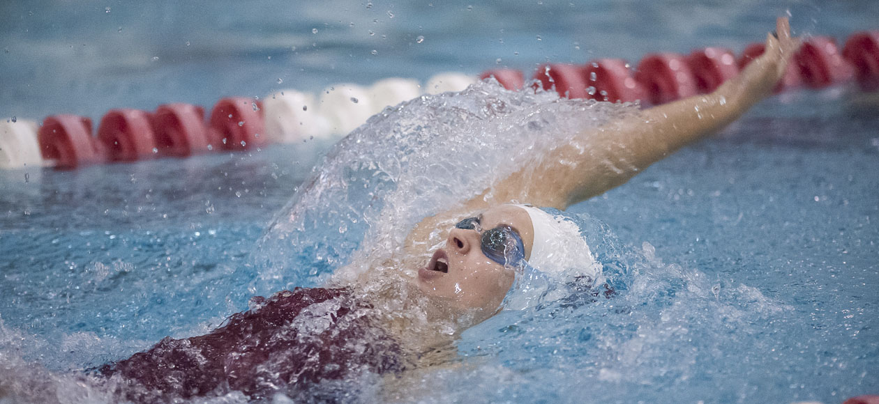 Women's Swimming and Diving Opens First Day of Ithaca Invitational