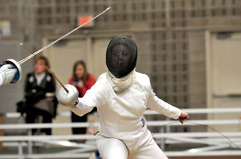 Women's fencing goes 5-1 at second NFC meet, finishes 10-2 in the conference