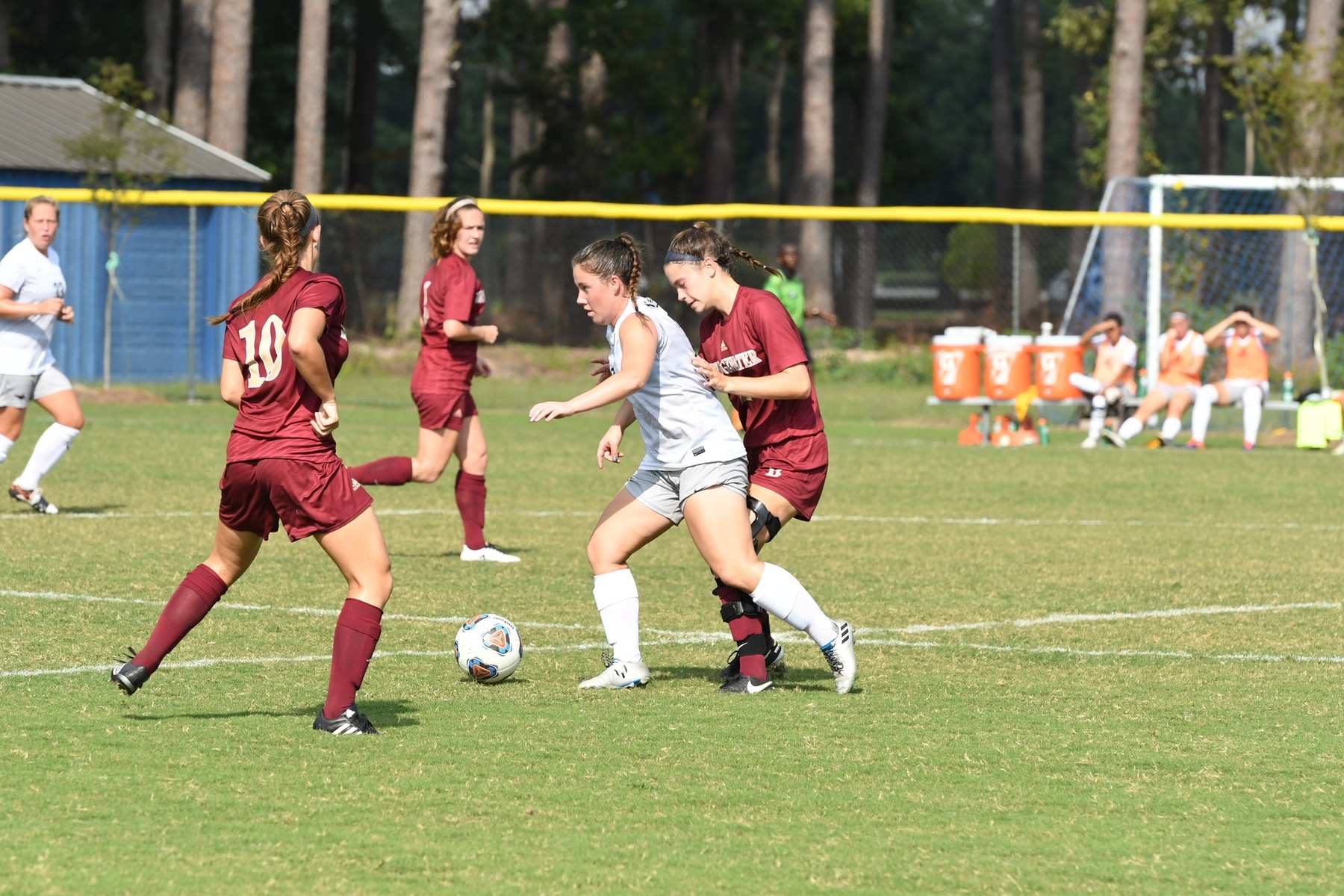 Women's Soccer Falls Short in Weekend Games