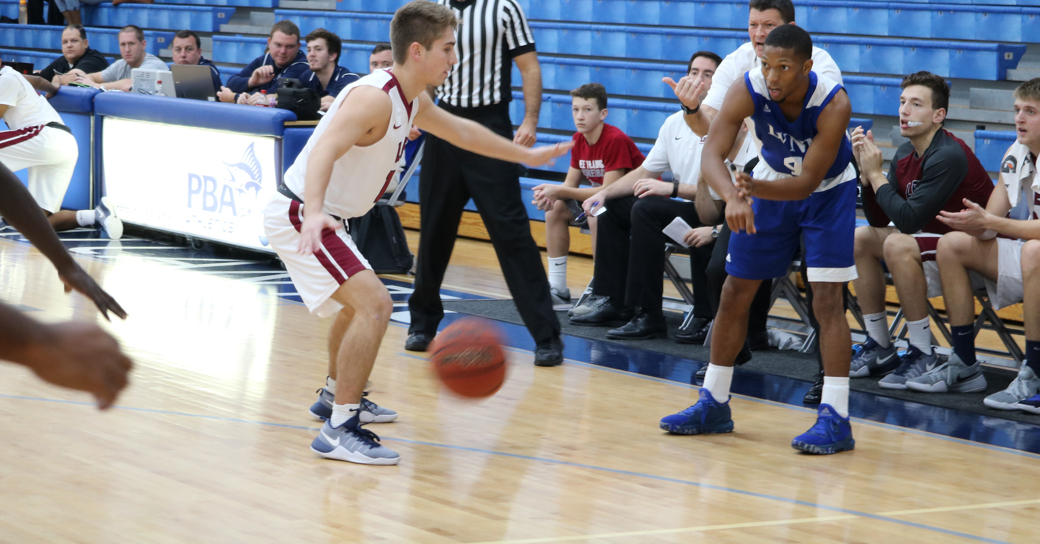 Botley Goes Off for 31 as Men's Basketball Extinguishes Flames in Jay McCormick Classic