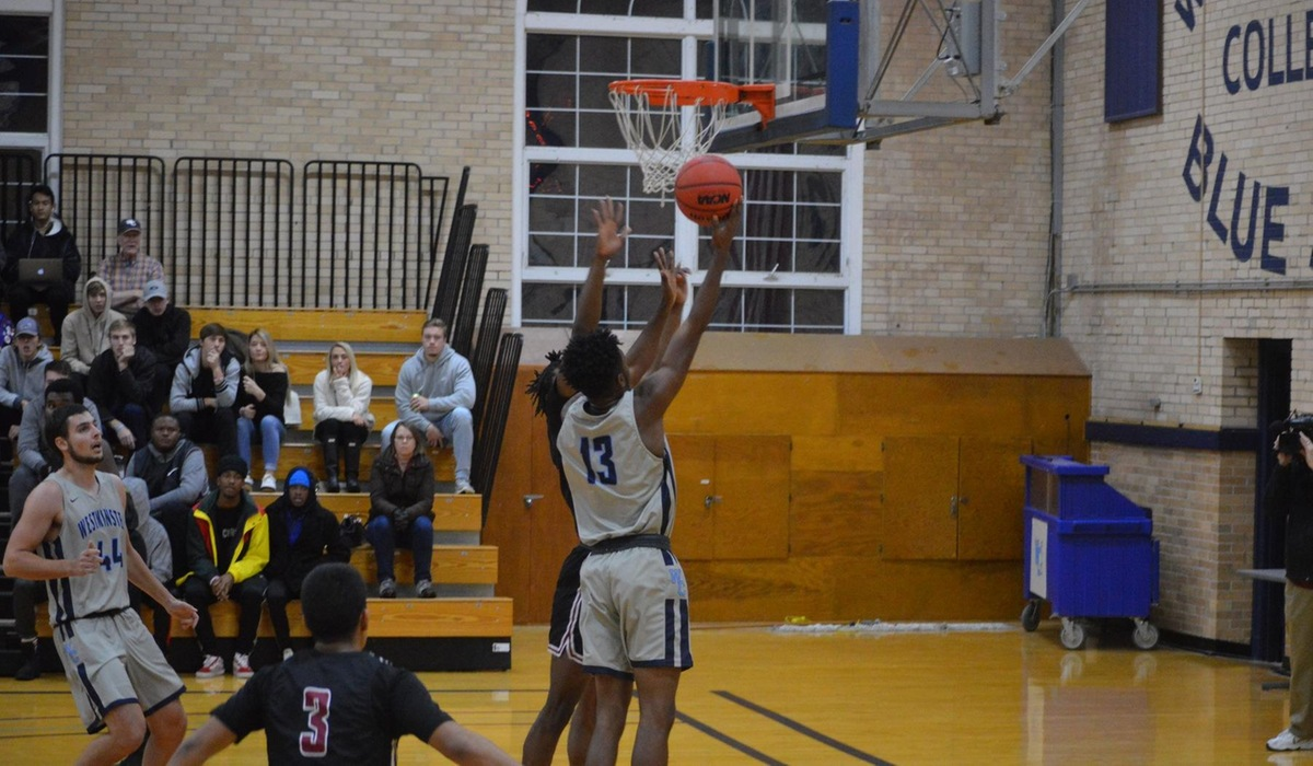 Westminster Men's Basketball Comes up Short in High-Scoring SLIAC Opener