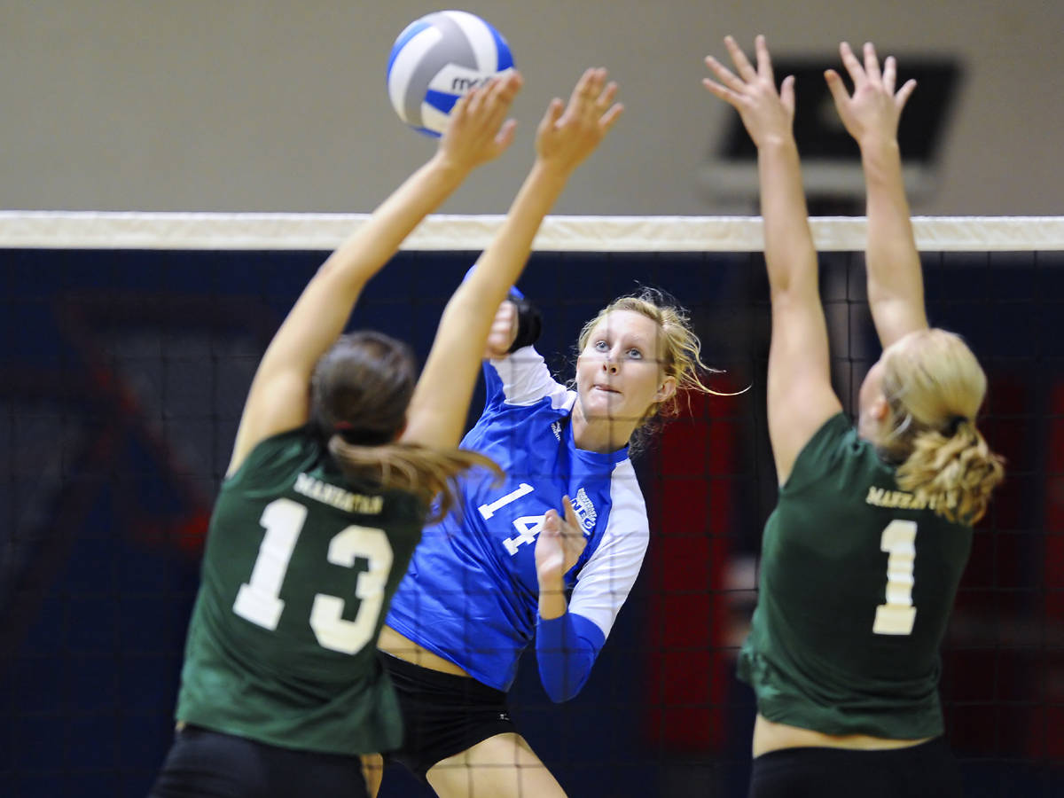 Cochran Lifts CCSU Past Sacred Heart, 3-1