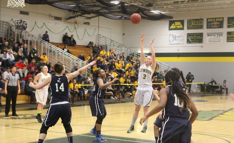 Late Free Throws Key in Victory for Hornets