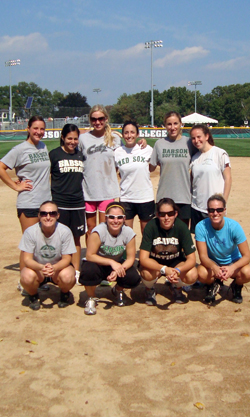 Softball Hosts Annual Alumnae Game