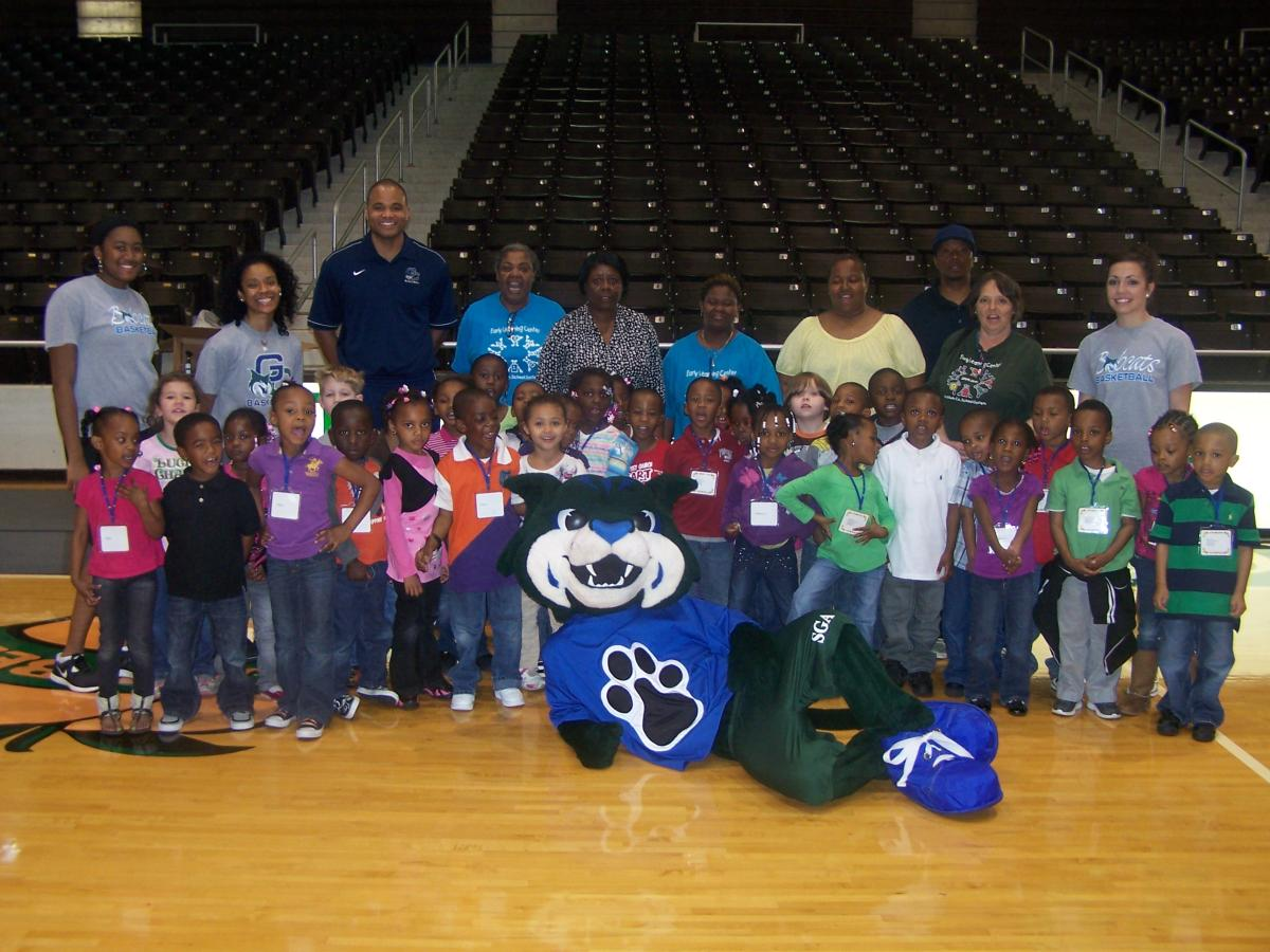 GC Basketball Welcomes Students from the Early Learning Center