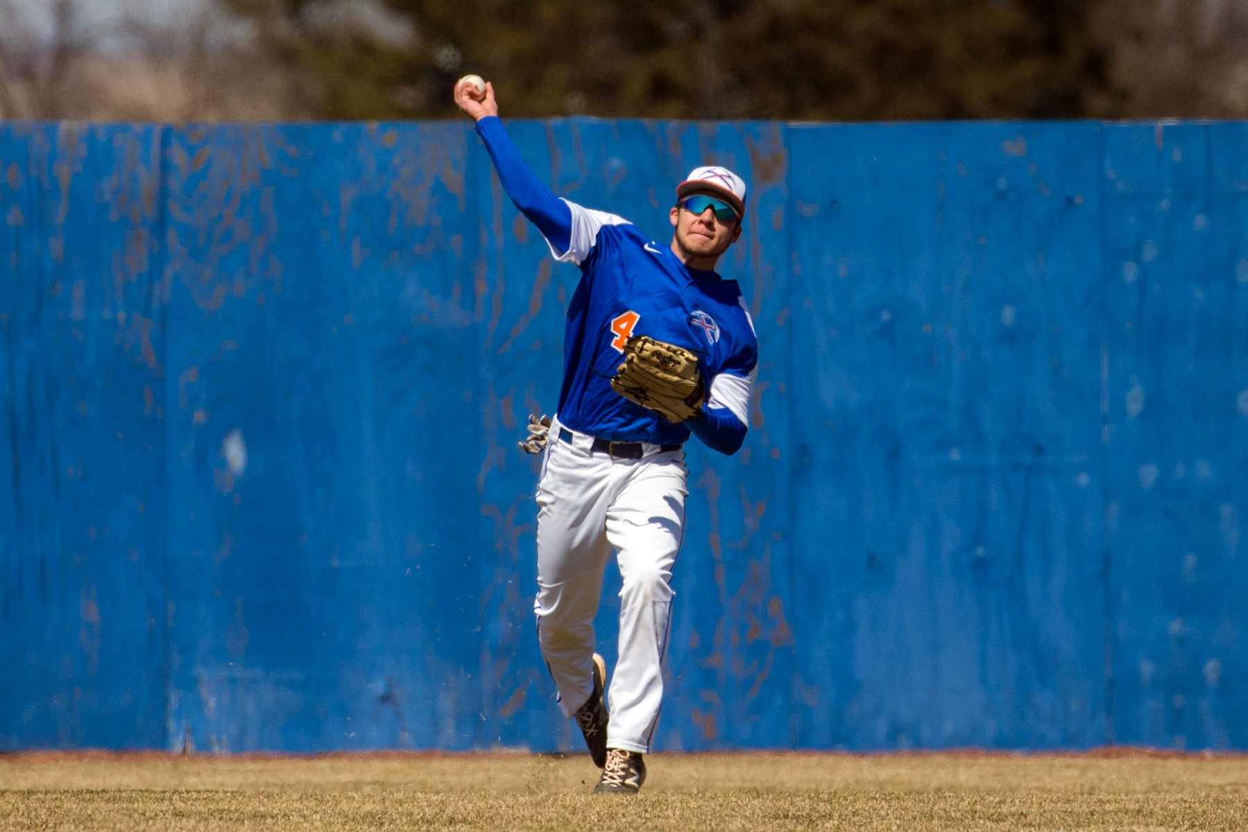 Baseball unable to overcome early deficits to Eagles
