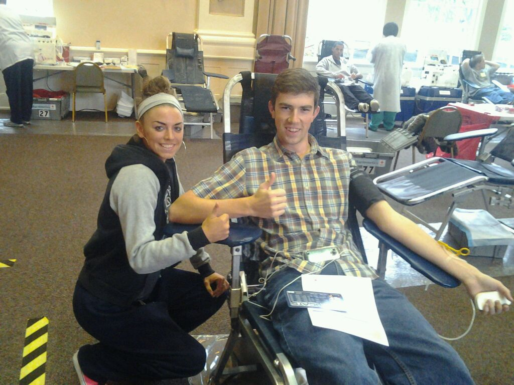 GC Women's Basketball Helps out at Blood Drive