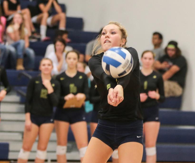 LCCC Volleyball Goes 3-1 in CSN Invite