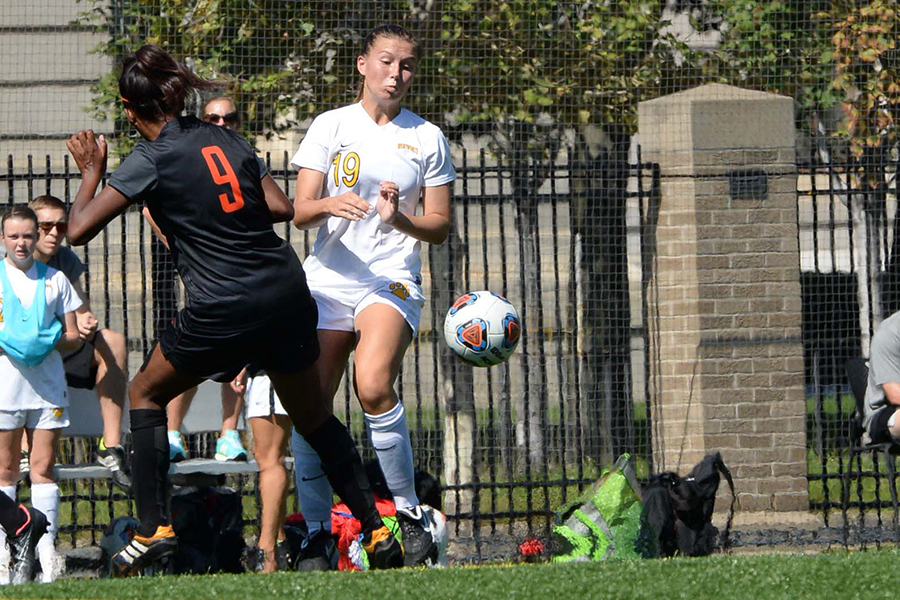 Women's Soccer Cruises Past Emmanuel