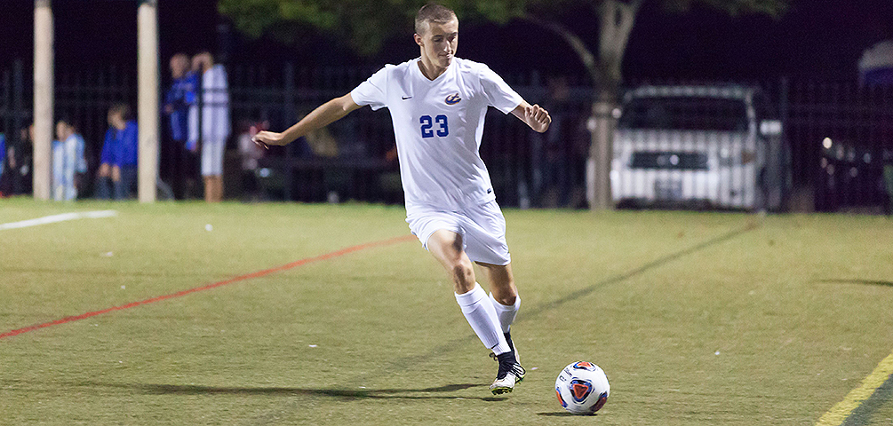 Privateers Edge Mariners