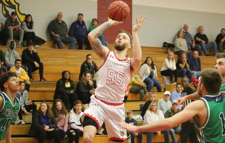 Men's Basketball Outlasts Maine Maritime, 66-65