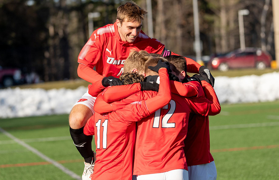 Hernandez lifts Oneonta men's soccer past Babson in overtime