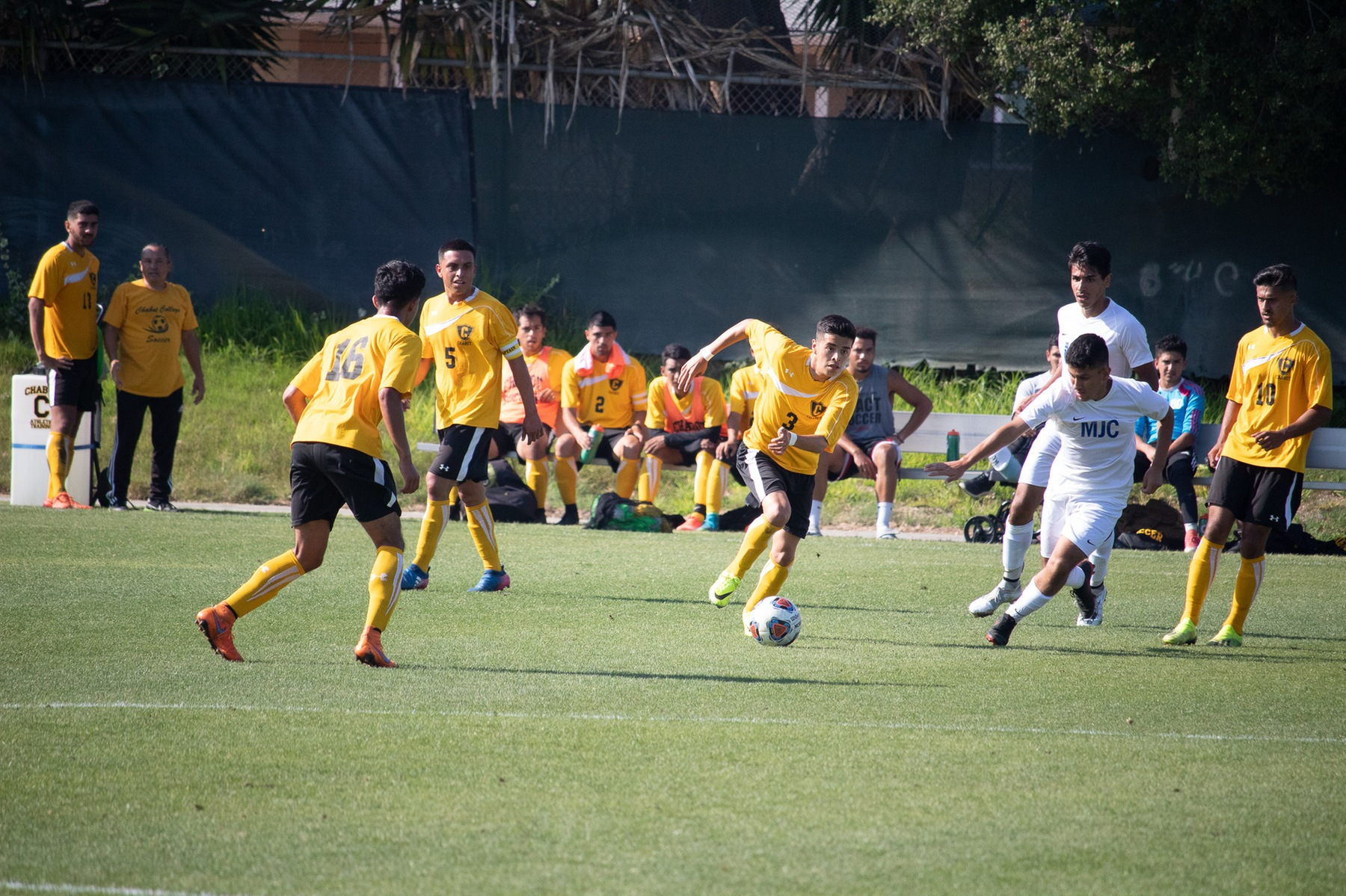 Chabot men's soccer (photo by Gloria Cifuentes)