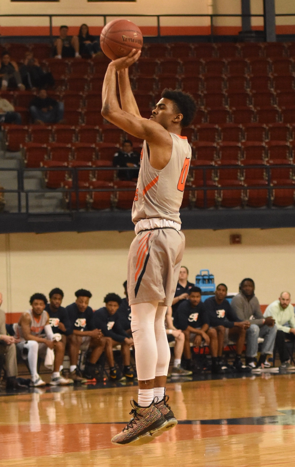 Gilbert drops in 27 points as No. 9 Texans dismantle New Mexico Military Institute 103-52 Monday