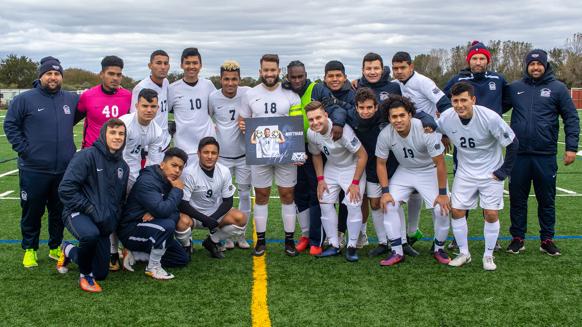 Men's Soccer Edged by Old Westbury on Senior Day