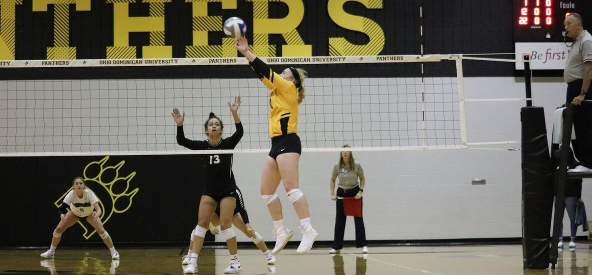 Volleyball Wins Five Set Thriller At AB