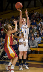 UCSB forward has homecoming game