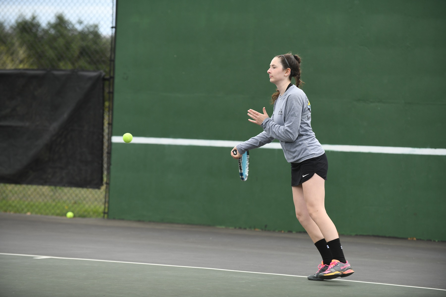 Women's Tennis Dominates St. Mary's (Md.), 8-1