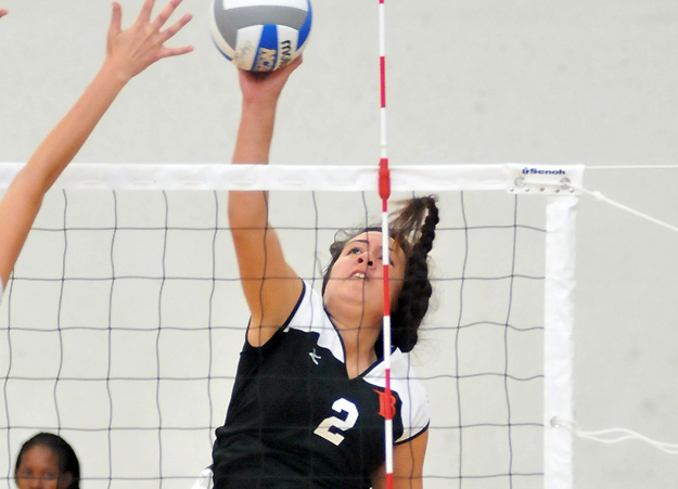 Women's Volleyball: Vikings roll to 3-1 win over East Los Angeles