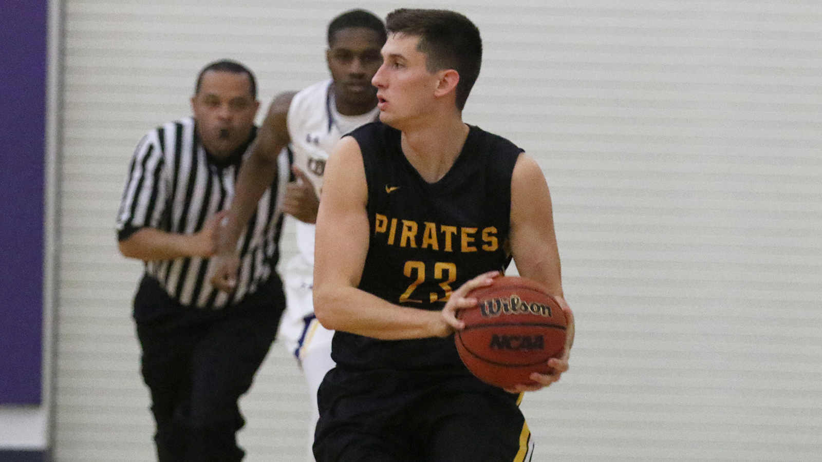 Pirates Hold Off Comets Behind Huge First Half
