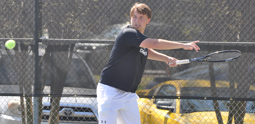 No. 17 UT-Tyler Men's Tennis Team Handles Eagles