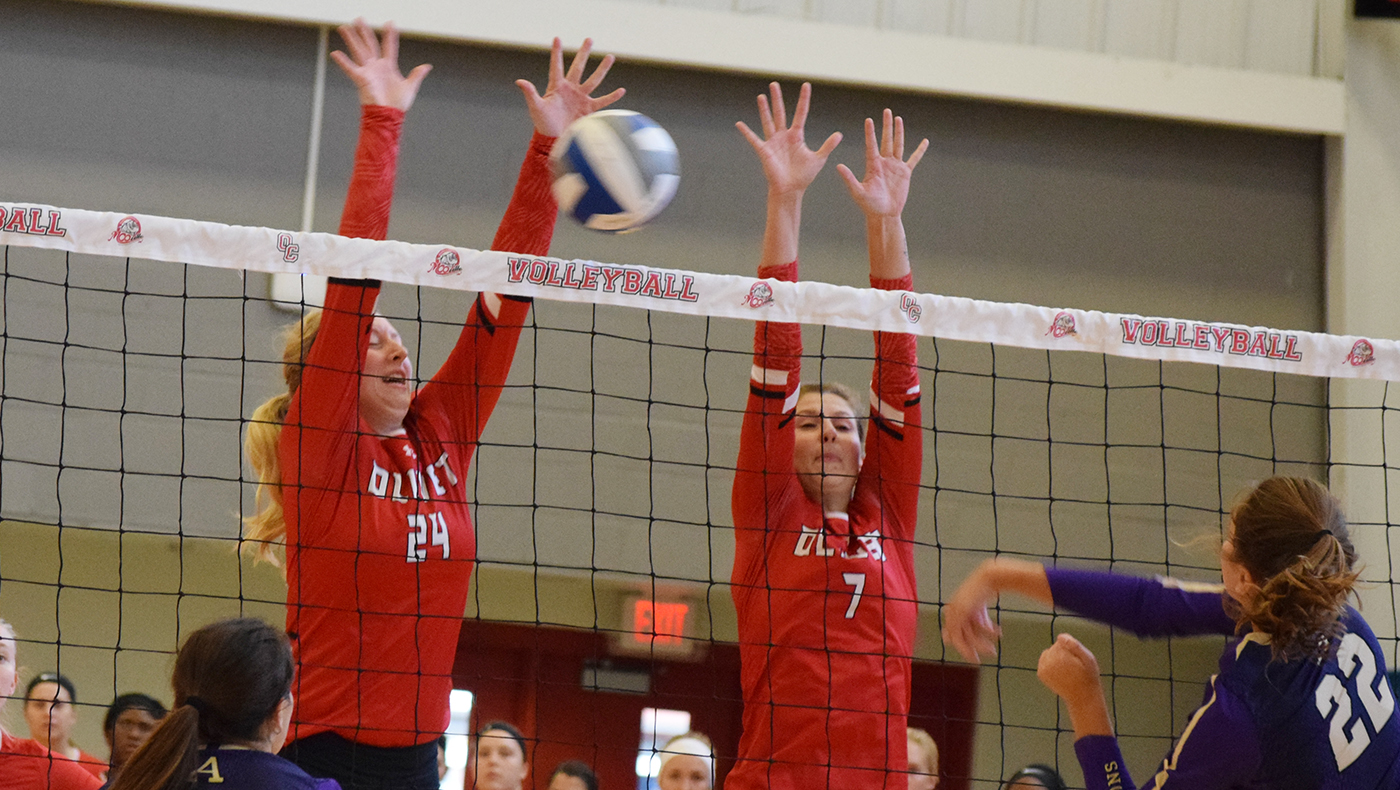 Women's volleyball team loses two matches at MIAA Preview Tournament