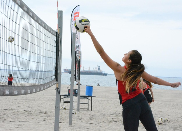 Beach Volleyball Sweeps Rio Hondo and Bakersfield