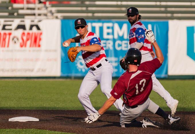 Otters Rally For Extra Inning Win Over Rascals
