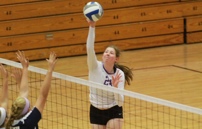 Women's volleyball nabs lead before falling to Saint Anselm, 3-1