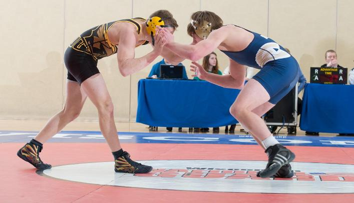 Four Wrestlers Finish in Top Five at Blugold Open