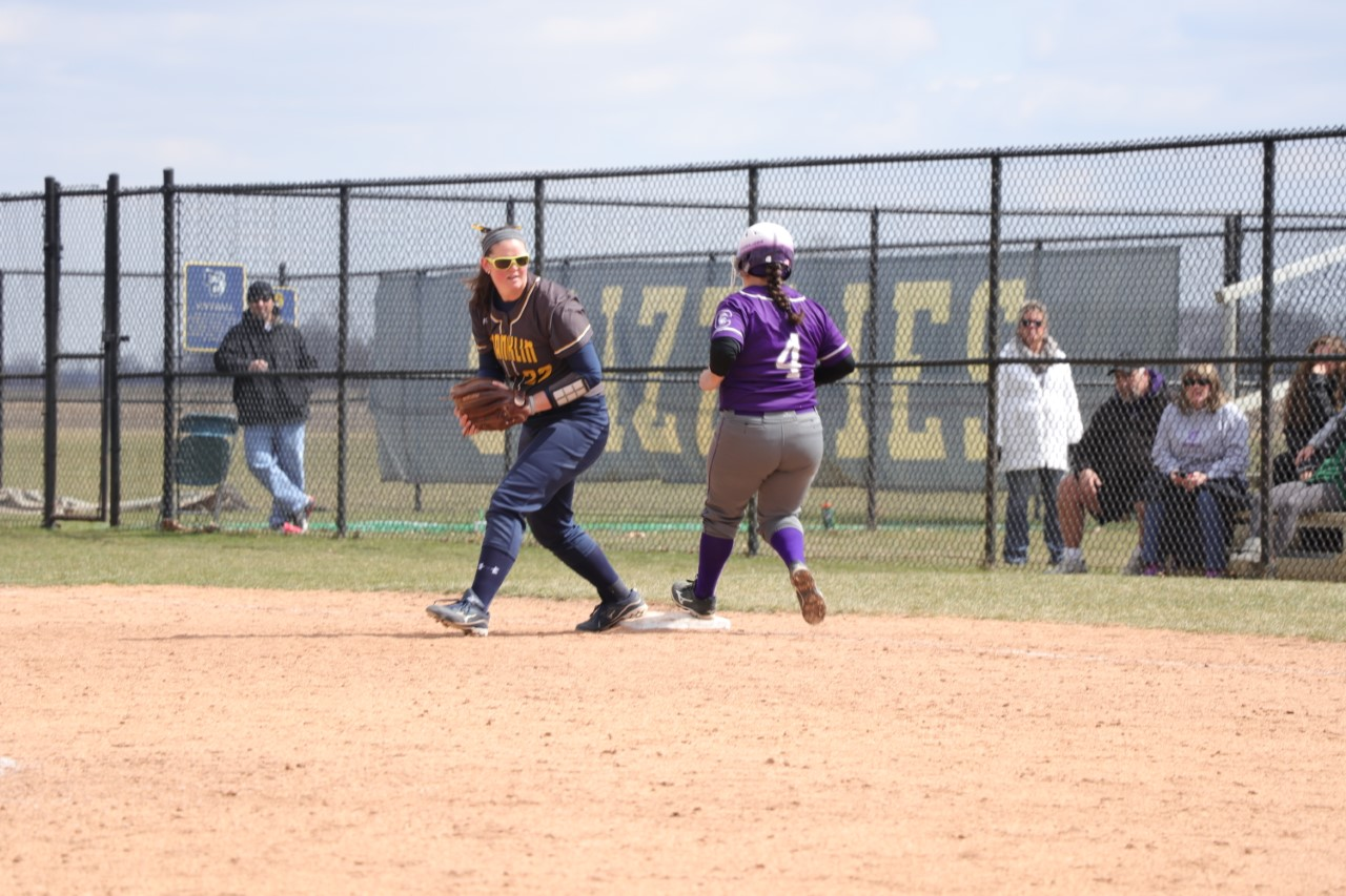 Softball Team Splits with Bluffton