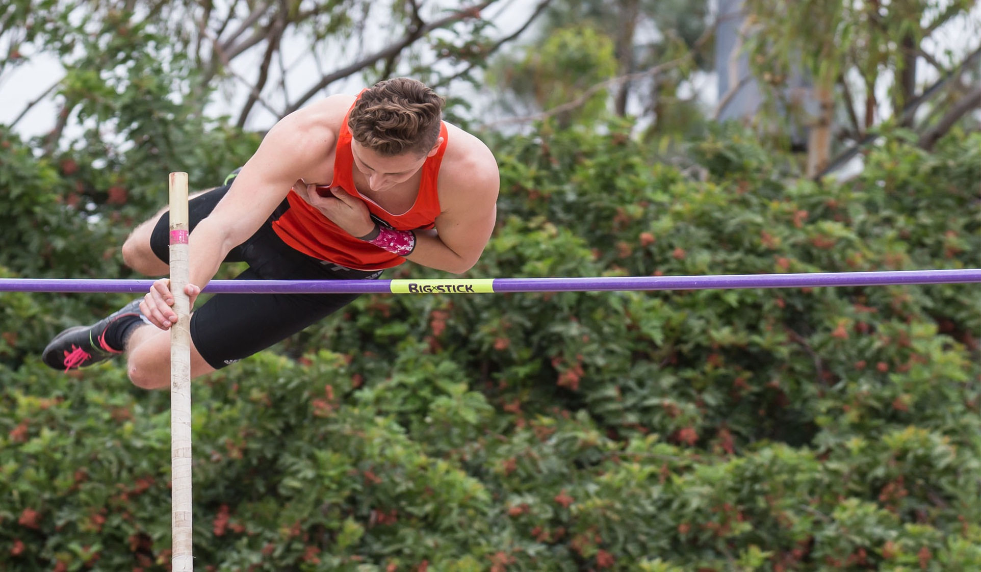 Greenleaf Wins SCIAC Pole Vault on Day 1
